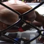 Video: Mira a Daniel Cormier someter a Anthony Johnson